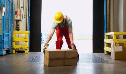 Come movimentare e trasportare manualmente i carichi in sicurezza?